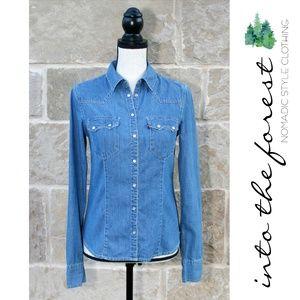 Levi's Pearl Snap Light Denim Shirt jacket Small